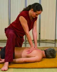 massaggio-ayrvedico-yoga02-240x300
